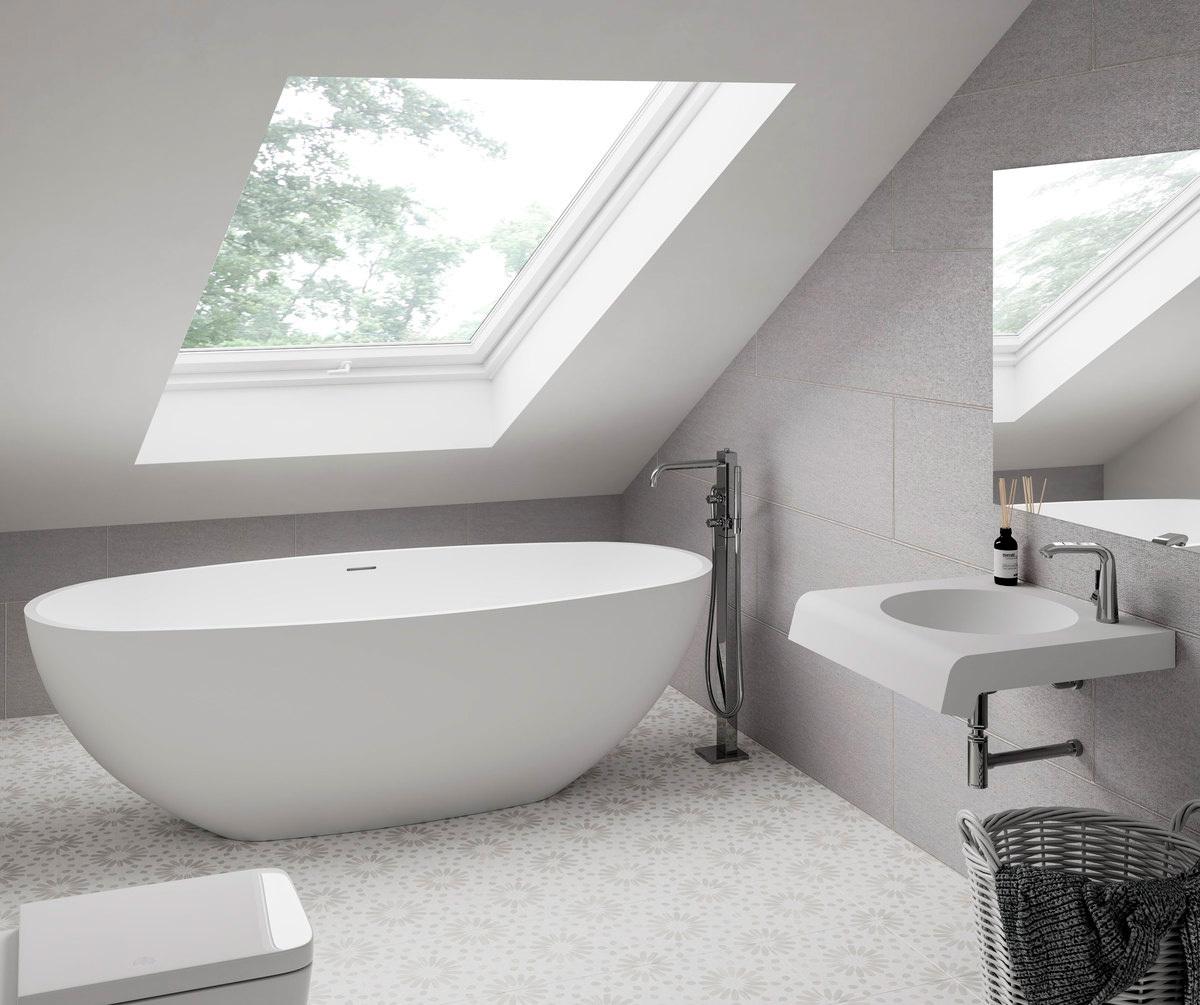 small bathrooms with bathtub